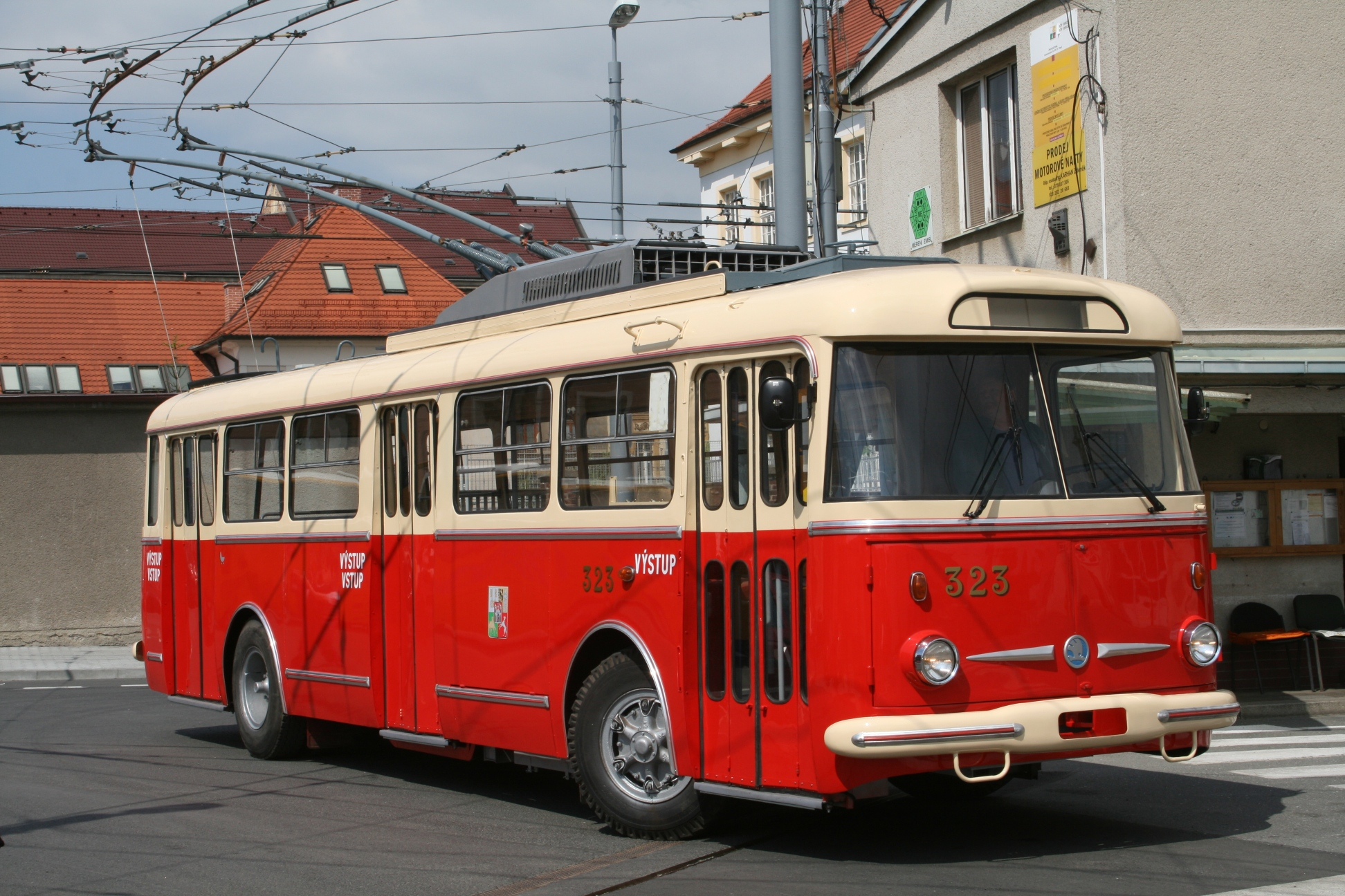 Skoda transports ... J_trnka_9tr_323_2011-05-05