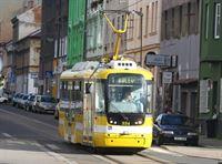 20110828_LEV_965_Pmdp, MHD, tramvaj Vario, Radyňská ul. 01